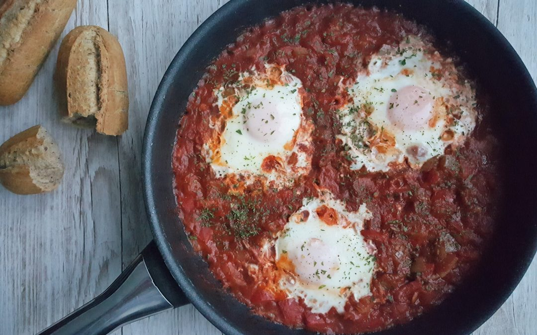 Pittige shakshuka met brood